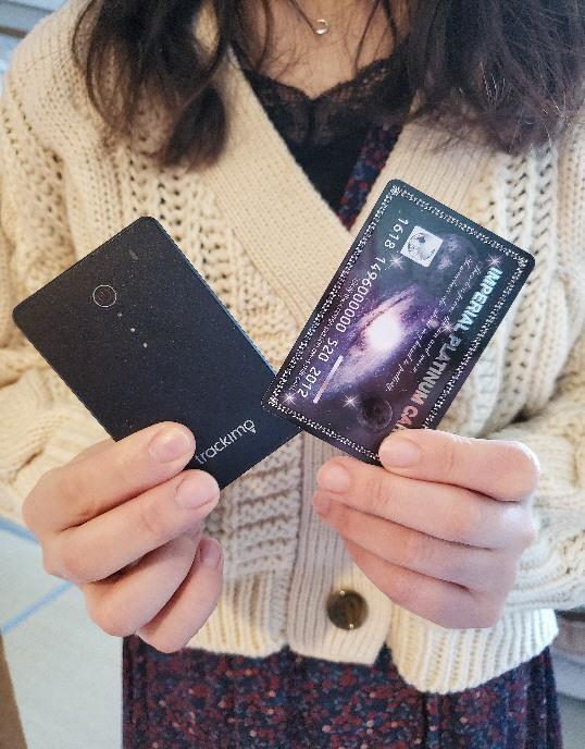 gps発信機 カードサイズ
