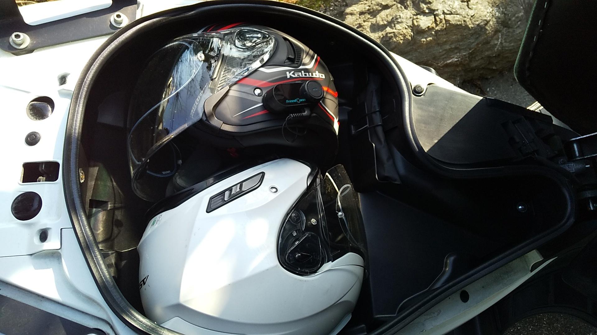 ヘルメット2個積載2