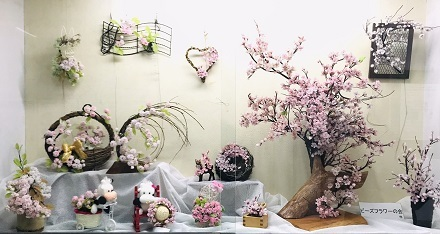 生駒駅の桜の展示