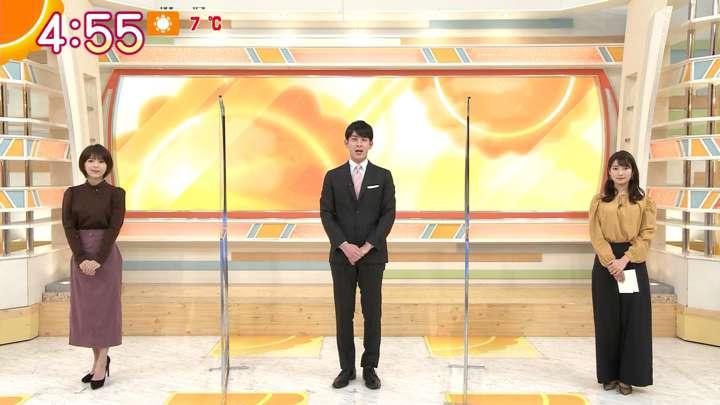 2021年02月18日安藤萌々の画像01枚目