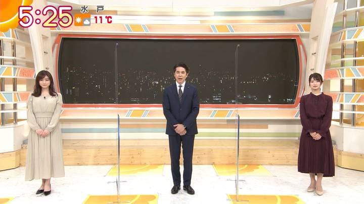 2020年12月25日新井恵理那の画像01枚目