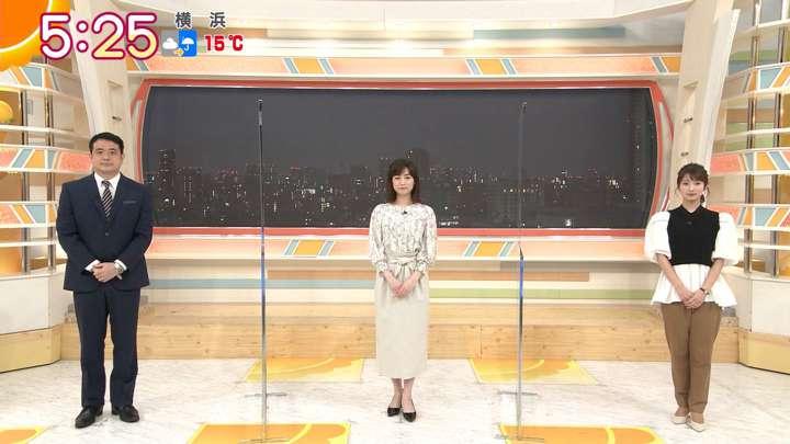 2021年03月12日新井恵理那の画像01枚目