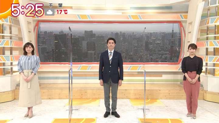 2021年03月25日新井恵理那の画像01枚目