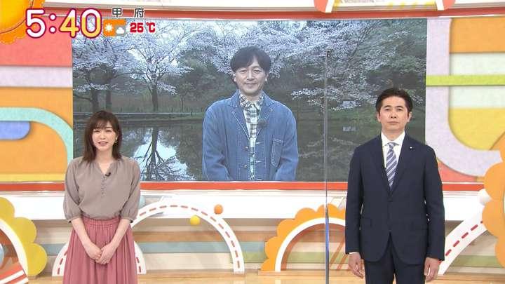 2021年03月29日新井恵理那の画像02枚目