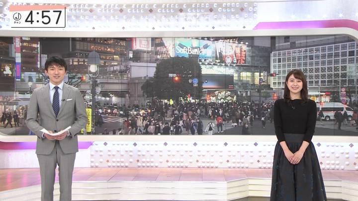 2020年12月25日林美沙希の画像12枚目