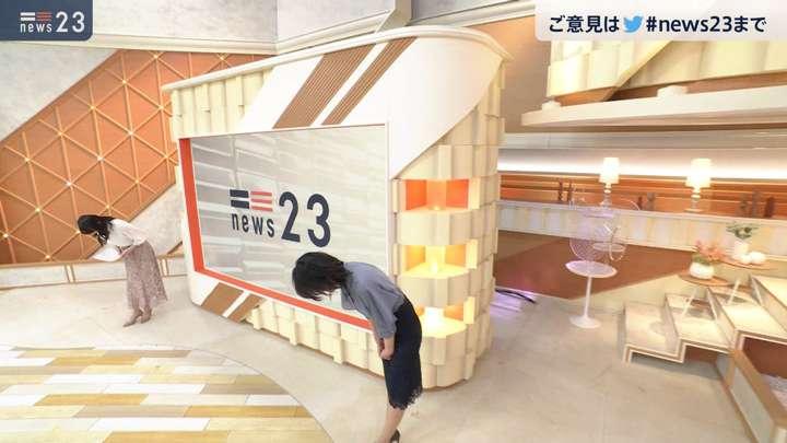 2021年03月16日小川彩佳の画像12枚目