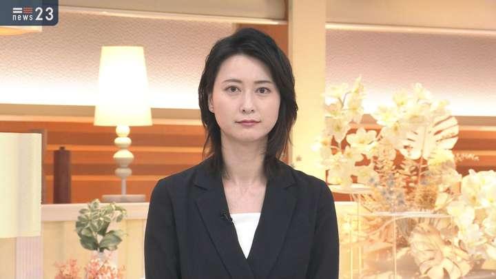 2021年03月31日小川彩佳の画像01枚目