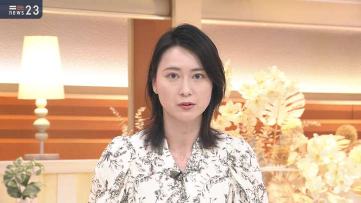 2021年04月21日小川彩佳の画像05枚目