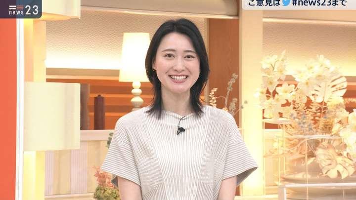 2021年04月26日小川彩佳の画像13枚目