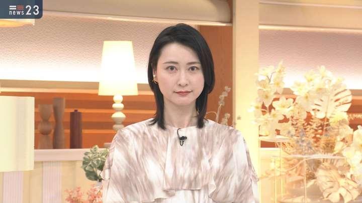 2021年04月27日小川彩佳の画像02枚目