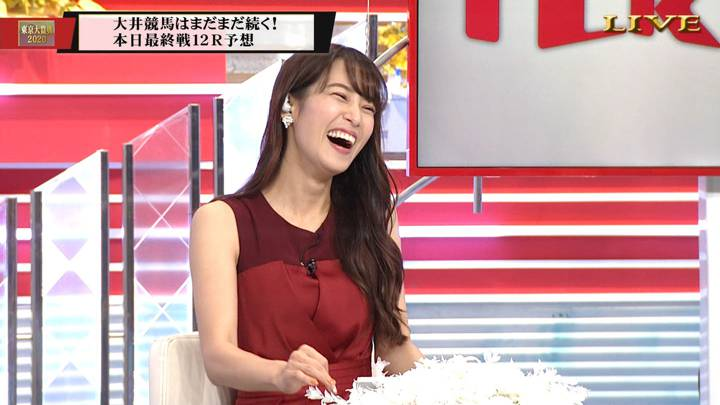 2020年12月29日鷲見玲奈の画像11枚目