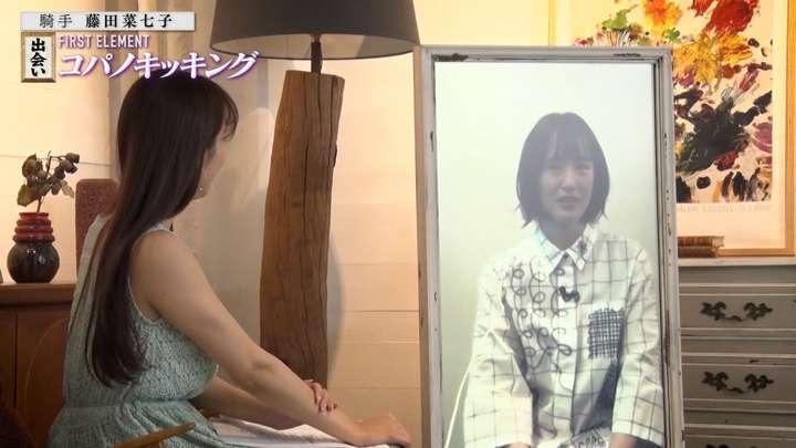 2021年05月04日鷲見玲奈の画像10枚目