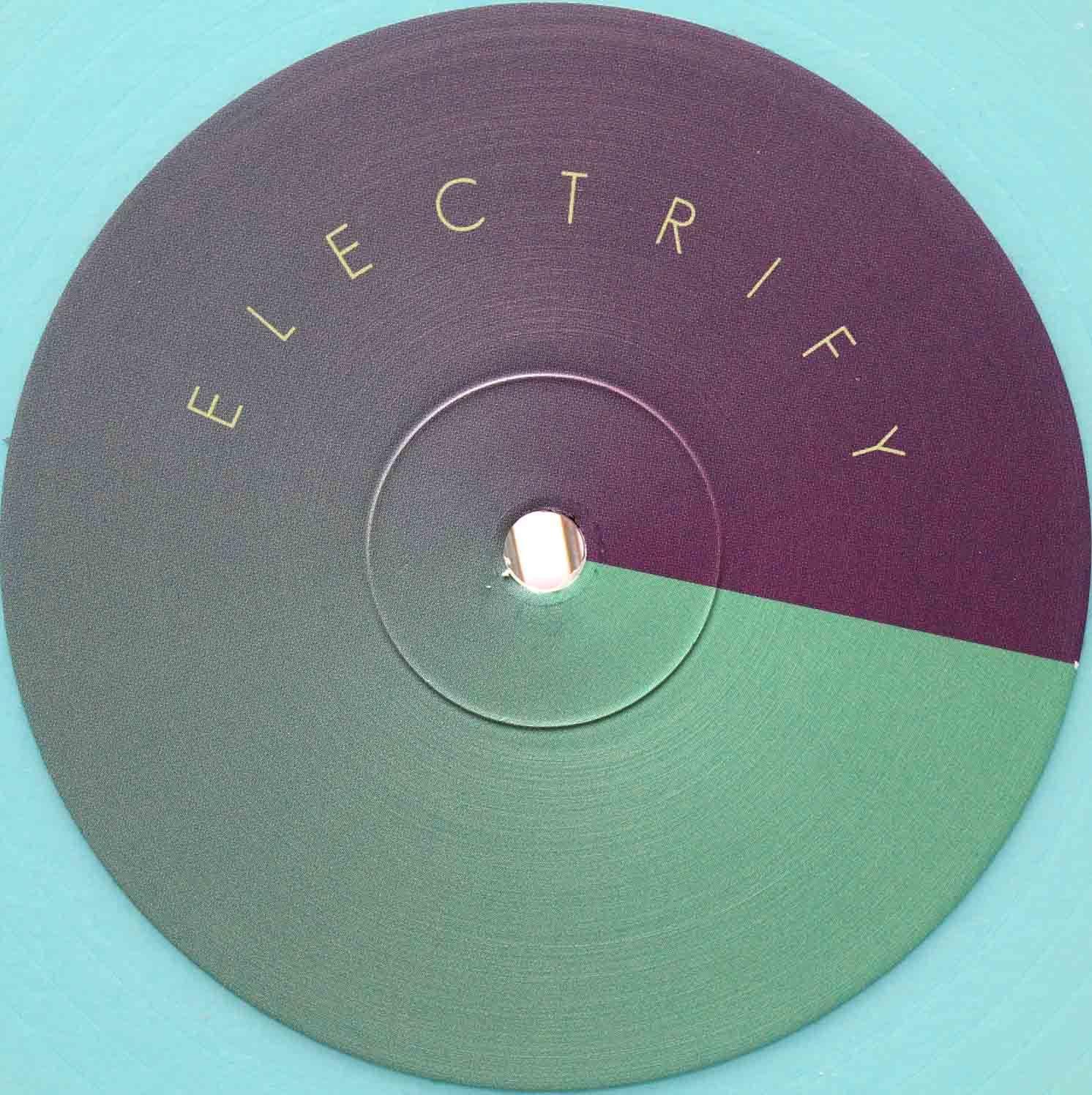 Shiro Schwarz Electrify 03