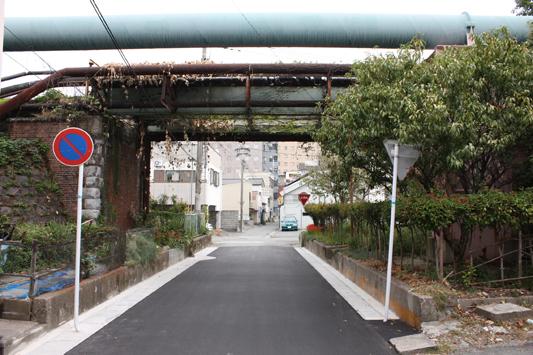 09-9-22旧浜線築堤下風景c