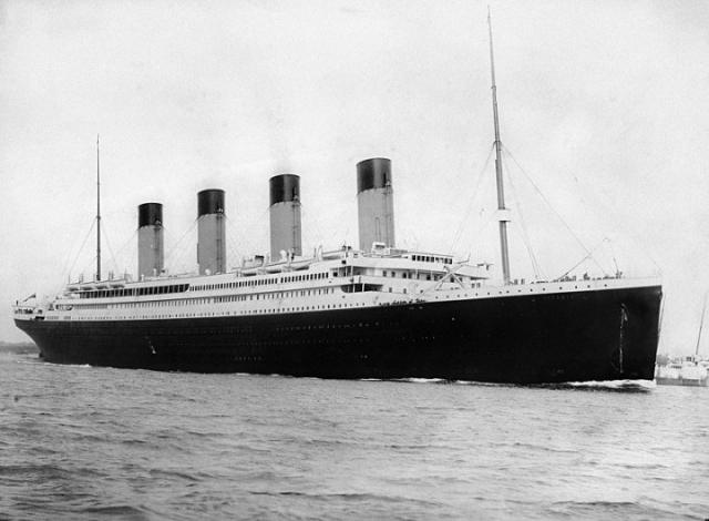 800px-RMS_Titanic_3.jpg