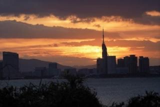 002能古島博物館前から見た日の出
