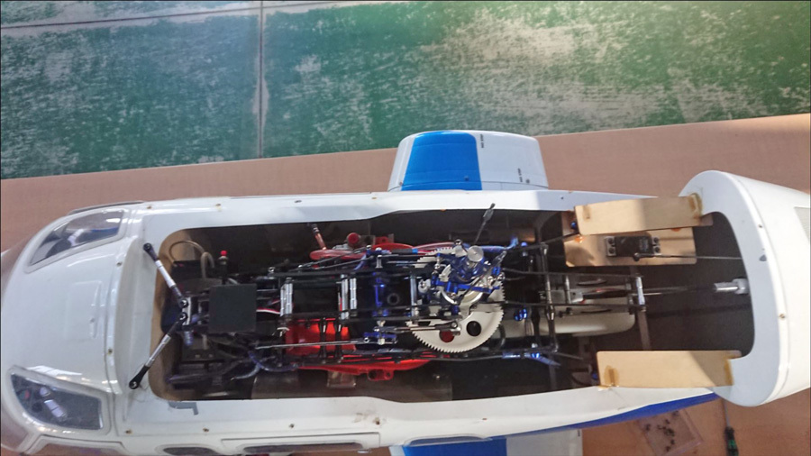 BELL430機体取り出し-1