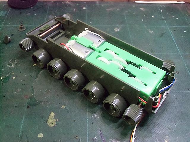 12-ギャボックスを組んだ車体