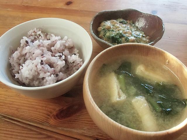 五穀米と味噌汁