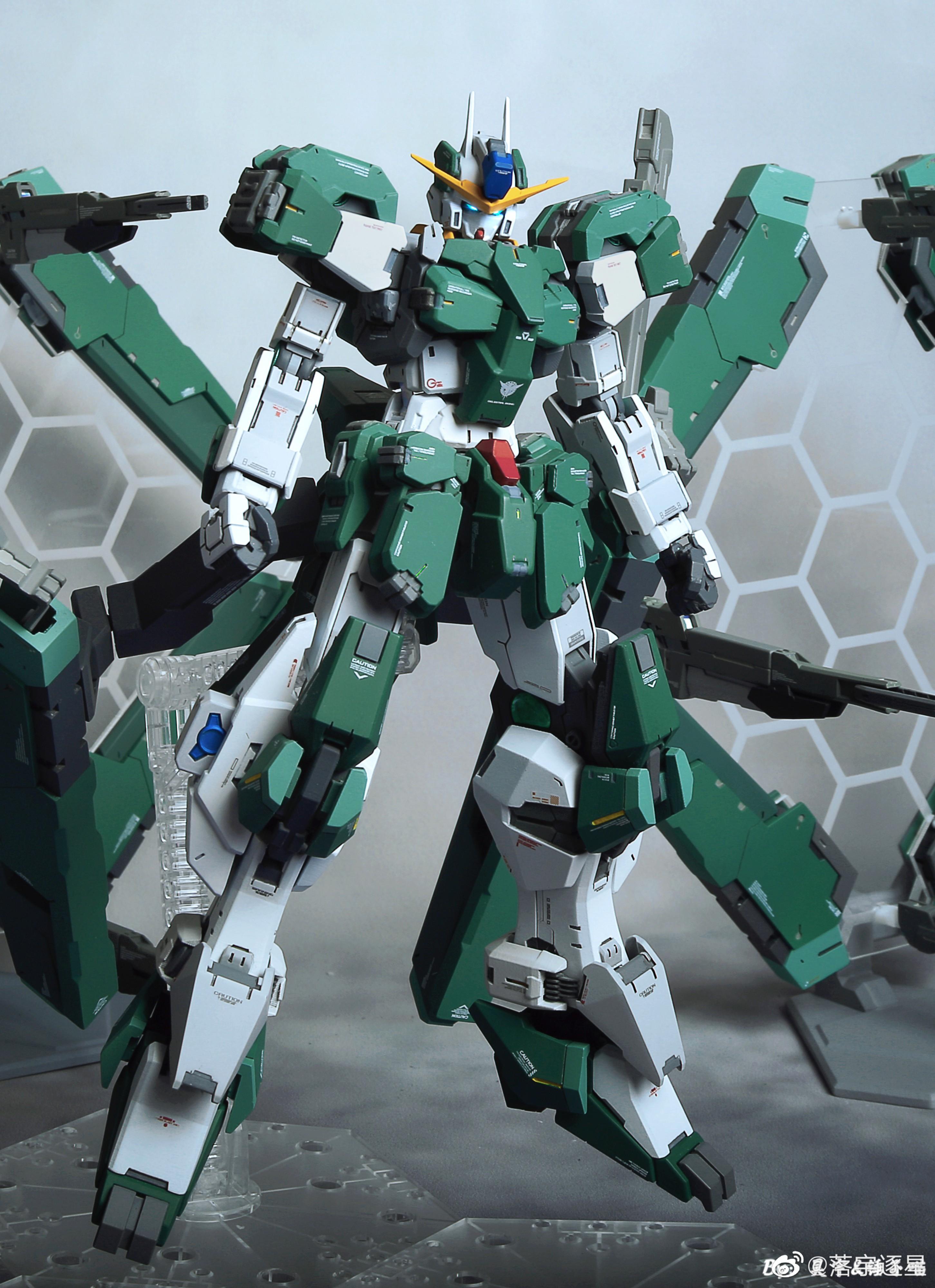 G652_3_GN_010_OO_Gundam_Zabanya_001.jpg