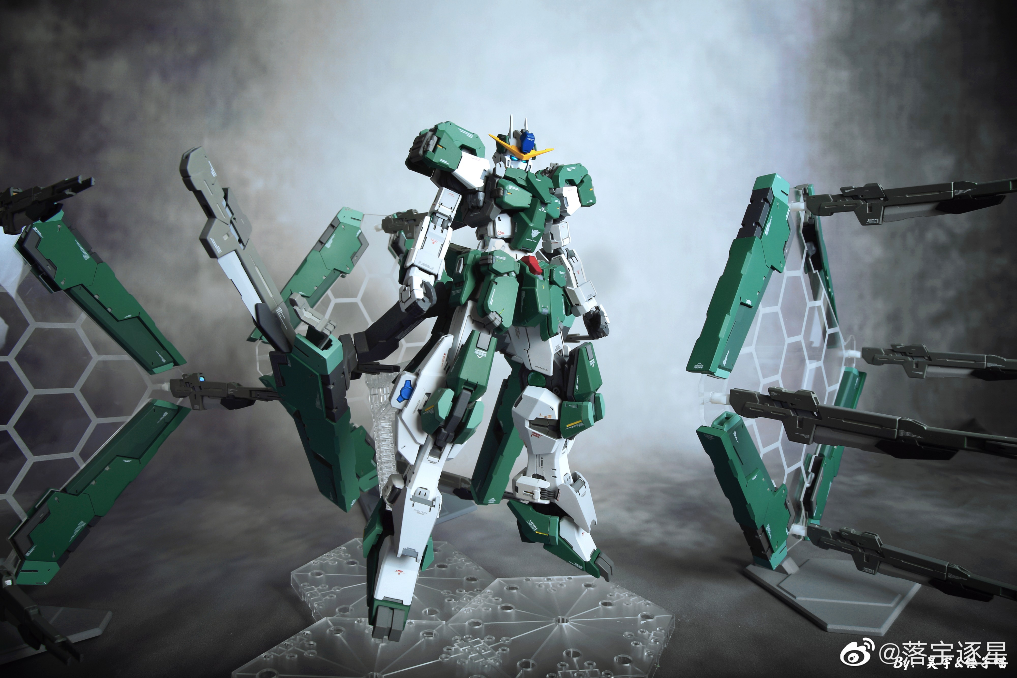 G652_3_GN_010_OO_Gundam_Zabanya_009.jpg