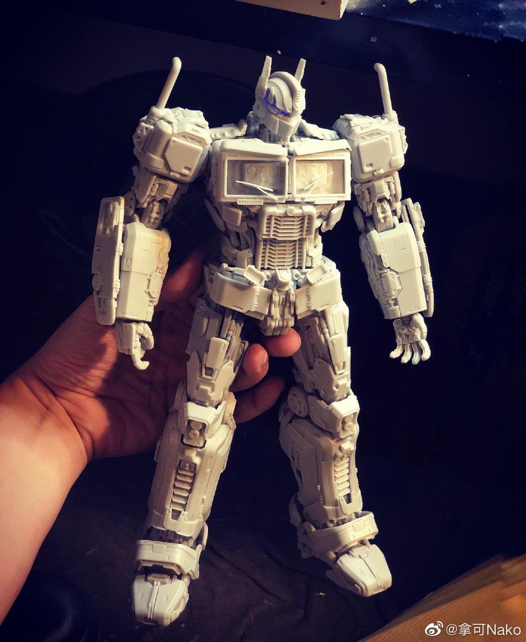 G798_NakoMake_Optimus_Prime_BUMBLEBEE_ver_GK_001.jpg