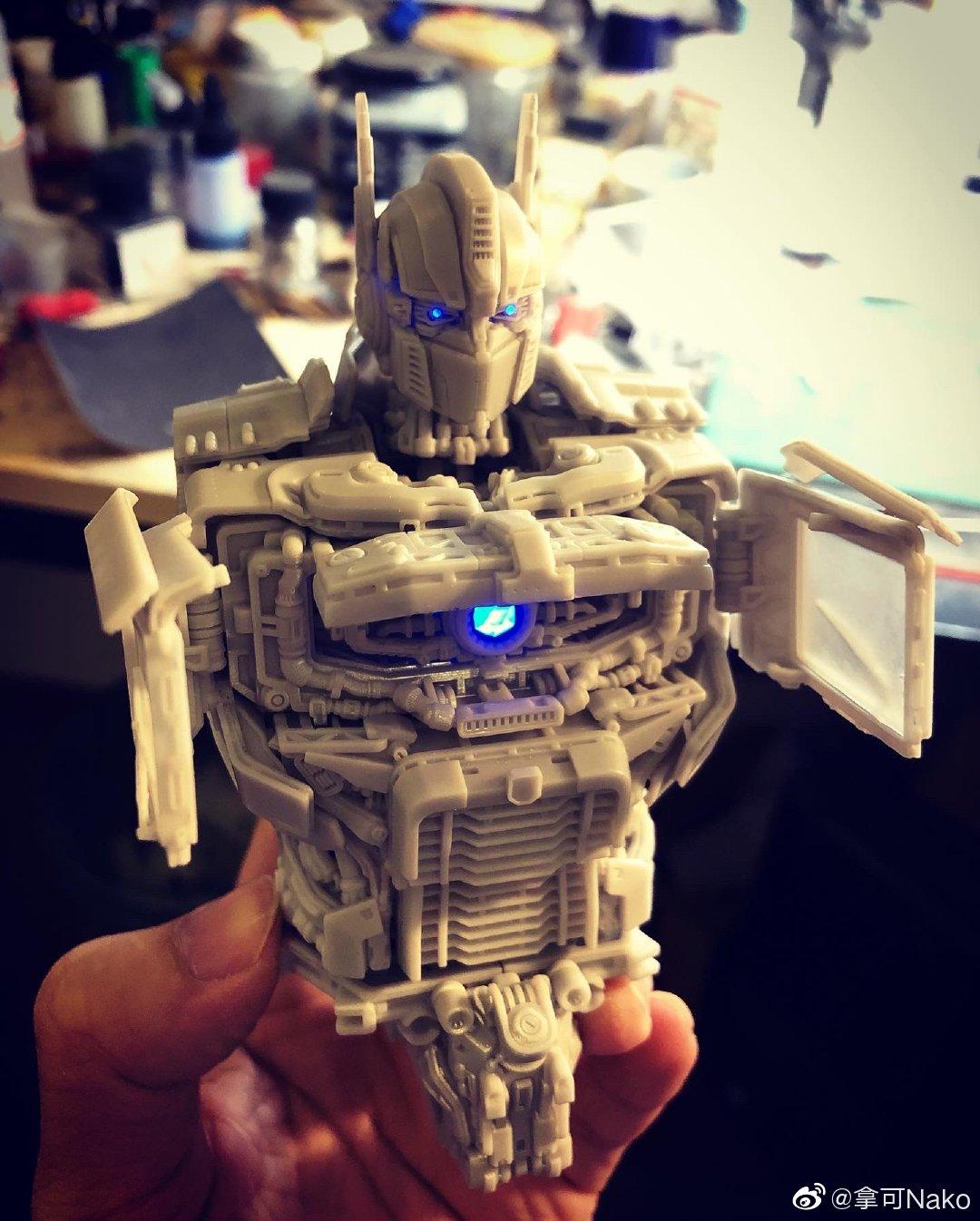 G798_NakoMake_Optimus_Prime_BUMBLEBEE_ver_GK_013.jpg