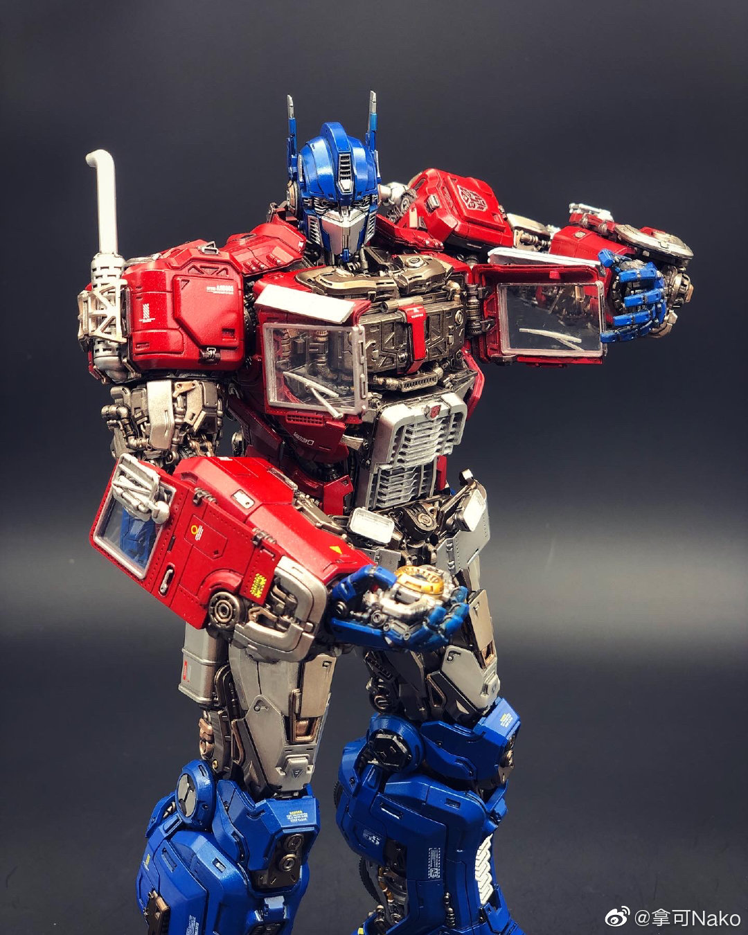 G798_NakoMake_Optimus_Prime_BUMBLEBEE_ver_GK_035.jpg