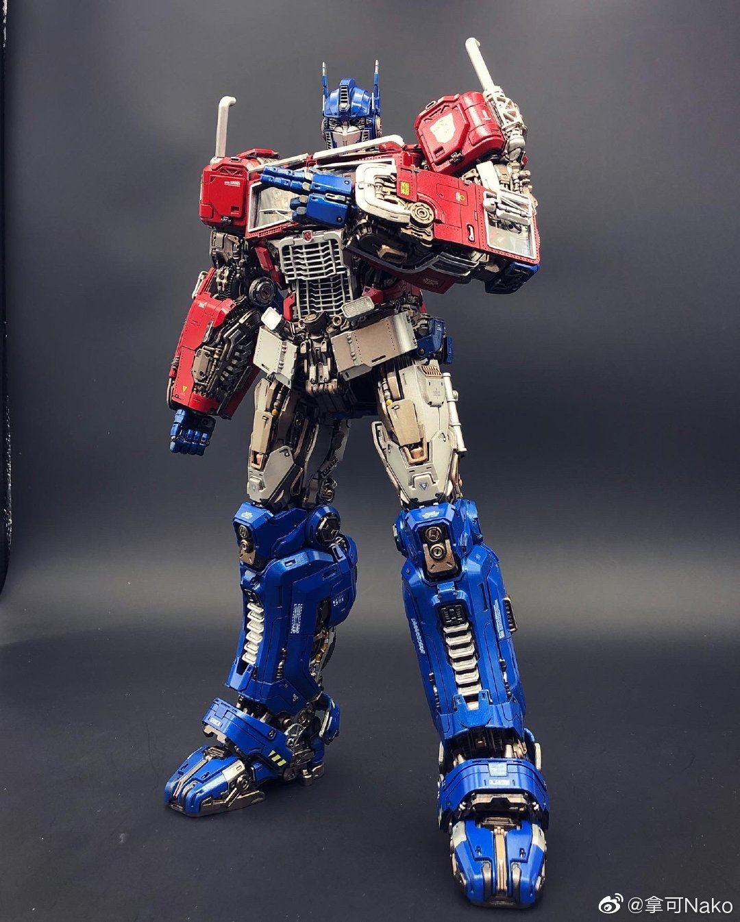 G798_NakoMake_Optimus_Prime_BUMBLEBEE_ver_GK_036.jpg