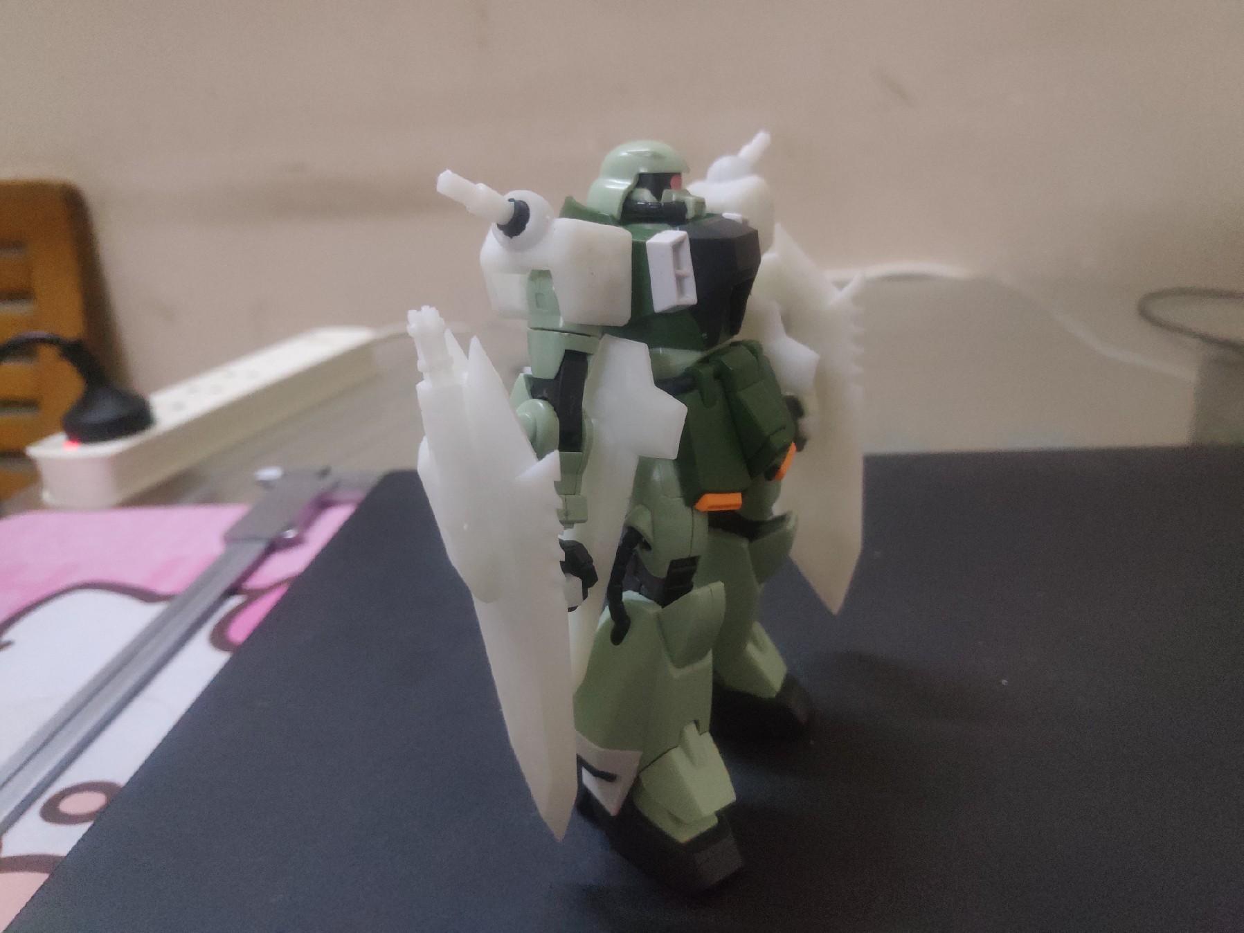 G832_hg_zaku_phantom_009.jpg