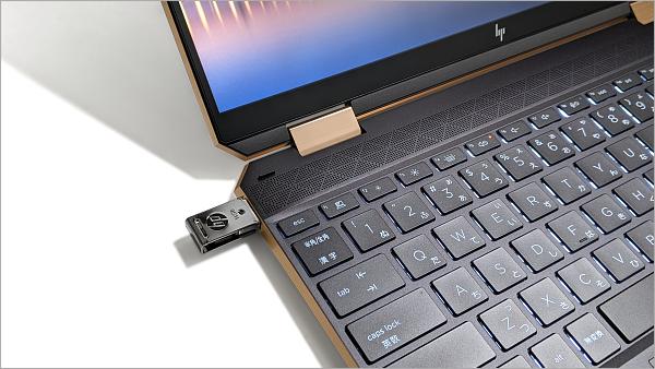 USB挿し方_PXL_20210514_011004265w