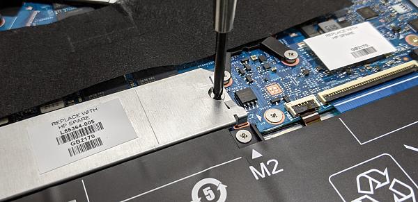 HP Pavilion Aero 13-be_SSDの取り外し_20210914_103521325