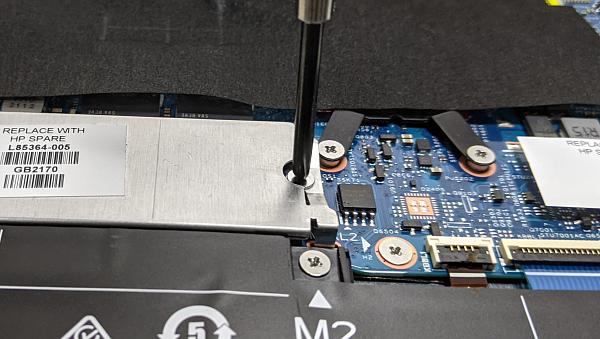 HP Pavilion Aero 13-be_SSDの取り付け_20210914_191118448