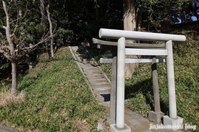 稲荷神社 藤沢市羽鳥6