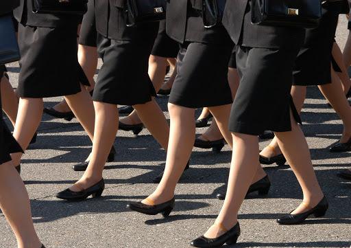 英BBC「日本の就活は性差別的でアイデンティティを奪う」(海外の反応)