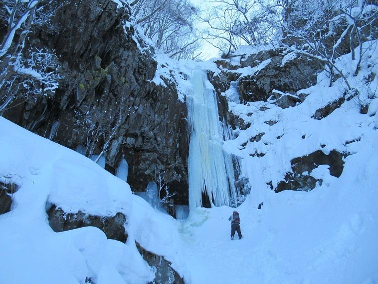 IMG_7947奥さんと滝