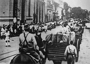 [韓国の反応]なんでベトナムは韓国ばかりに抗議<br /><br /><br />日本は太平洋戦争時、ベトナムを支配し数百万を飢えさせ餓死に追い込んだが<br />これについて抗議するベトナム人をみたことがない<br /><br />強いものには弱いのか?</strong><br /><br />引用元:https://bit.ly/3hVb3Zx</p>  <!--☆☆☆ 続きを読む ☆☆☆-->  <!--☆☆☆ 追記 ☆☆☆--> <br> <div class=