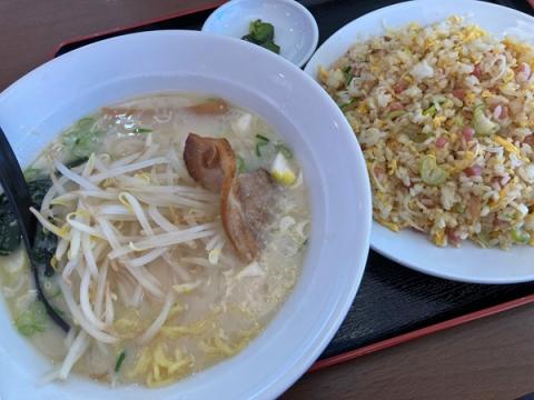 興福順の豚骨ラーメン+炒飯セット
