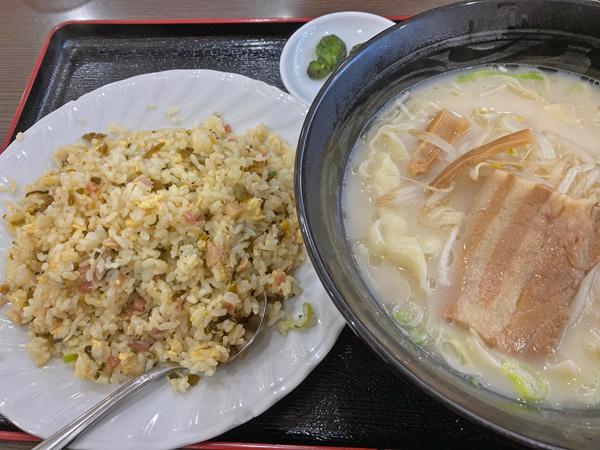 台湾料理鴻翔の刀削麺+高菜炒飯