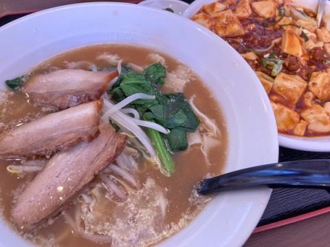 興福順の刀削麺と麻婆飯セット