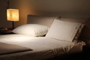 double-bed-1215004_640.jpg