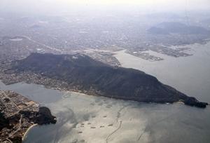 上空から見た屋島