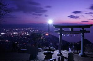 神社の夜景