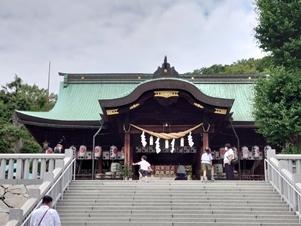 石清尾拝殿