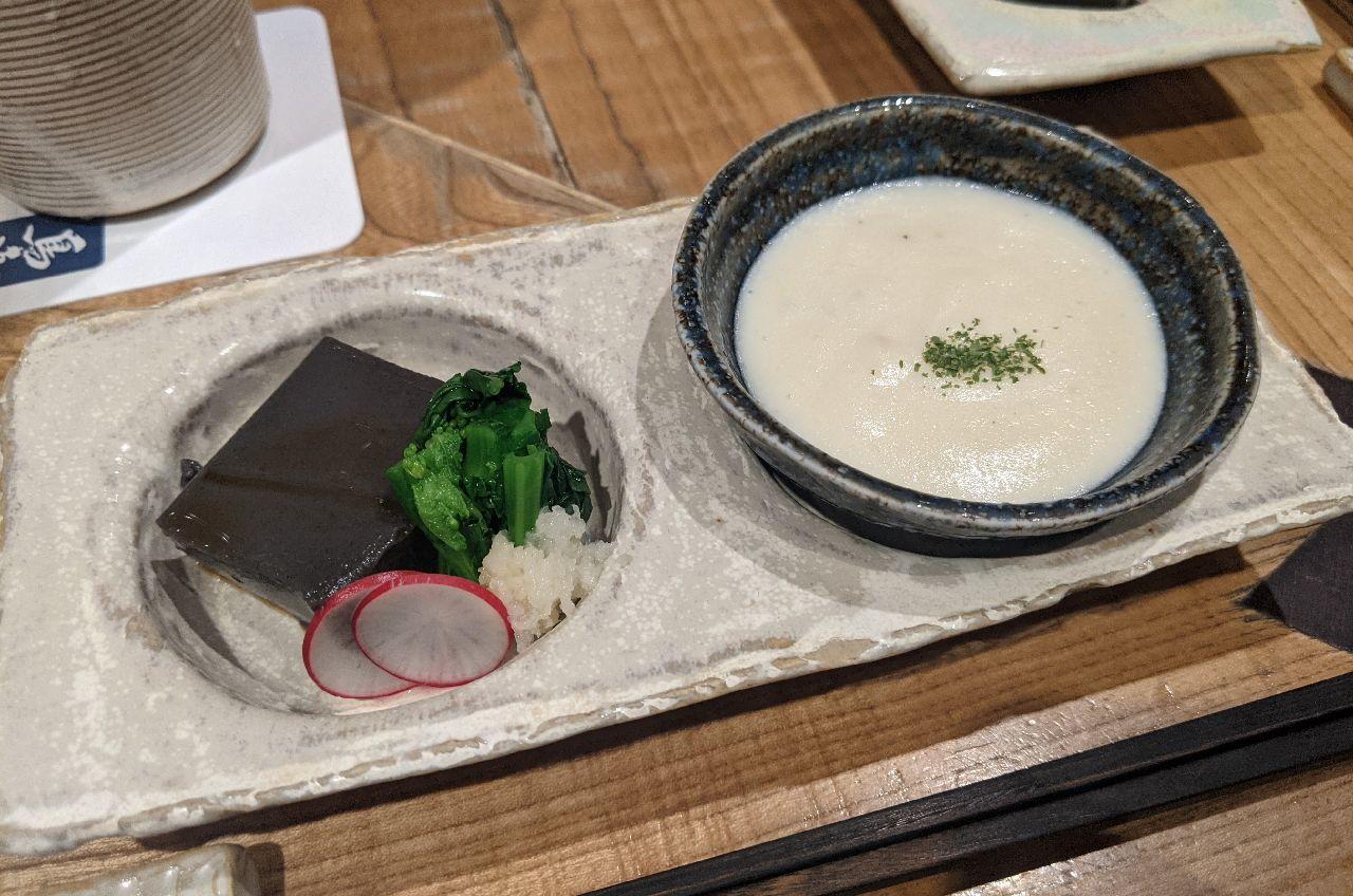 PXL_20201229_090605059お通し、じゃがいもポタージュ、黒胡麻豆腐