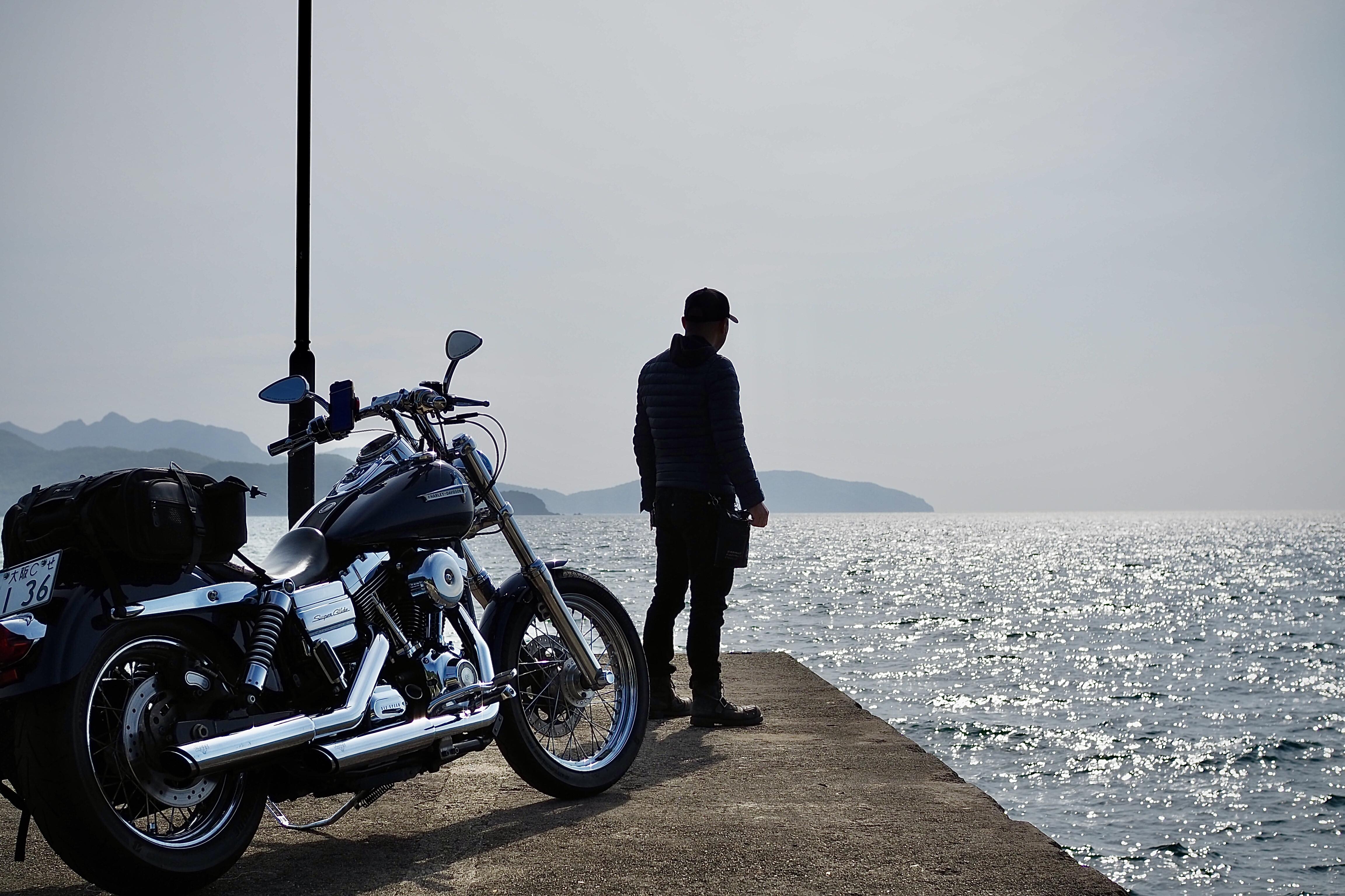 小豆島 絶景&グルメツーリング 海沿いの道 瀬戸内海 岸壁 防波堤