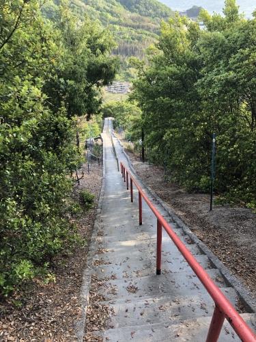 小豆島 重岩 参道 入り口 絶景&グルメツーリング 階段 険しい