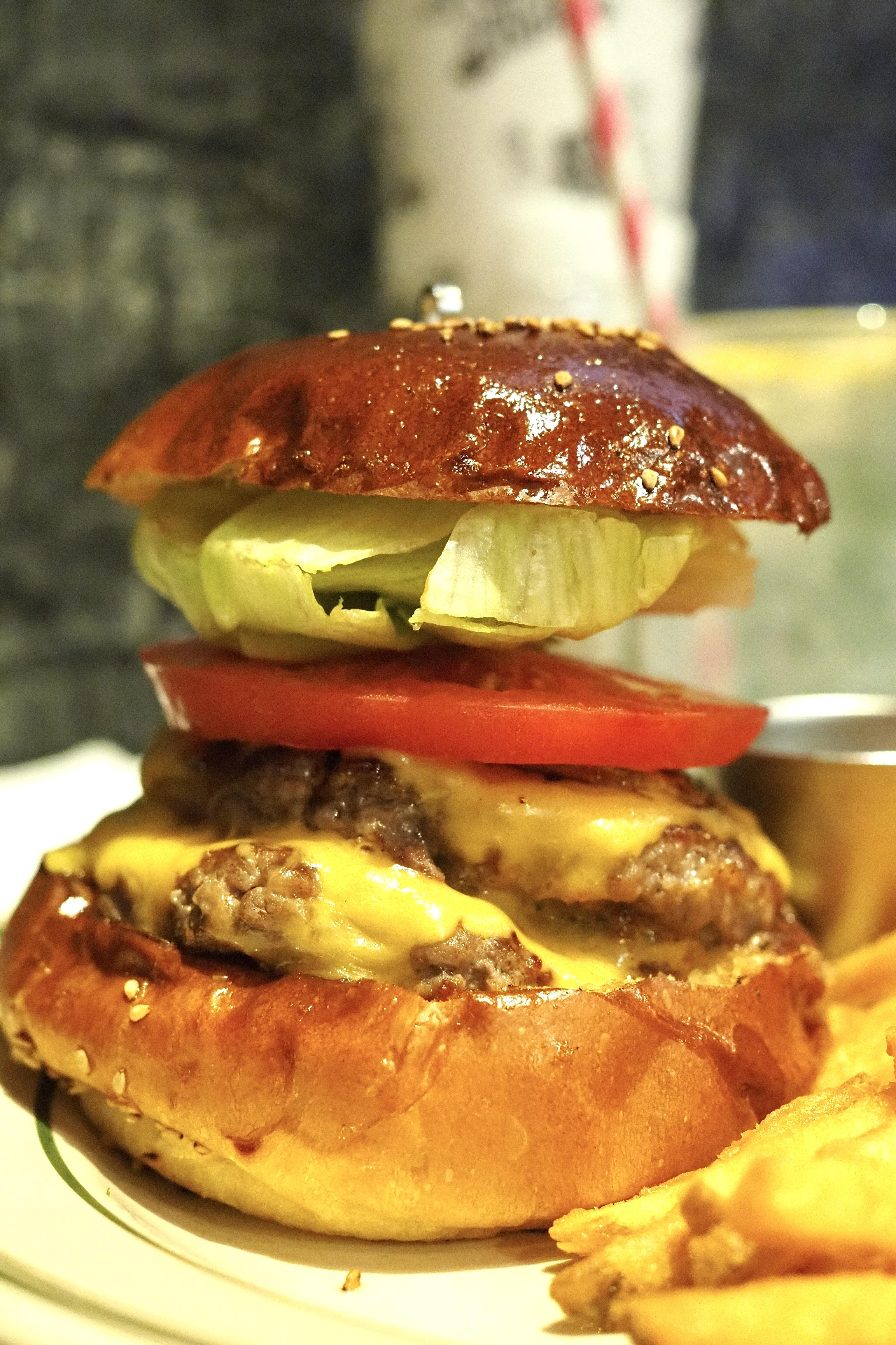 バーガーツーリング 大阪 北区 リッチガーデン ダブルチーズバーガー ハンバーガー