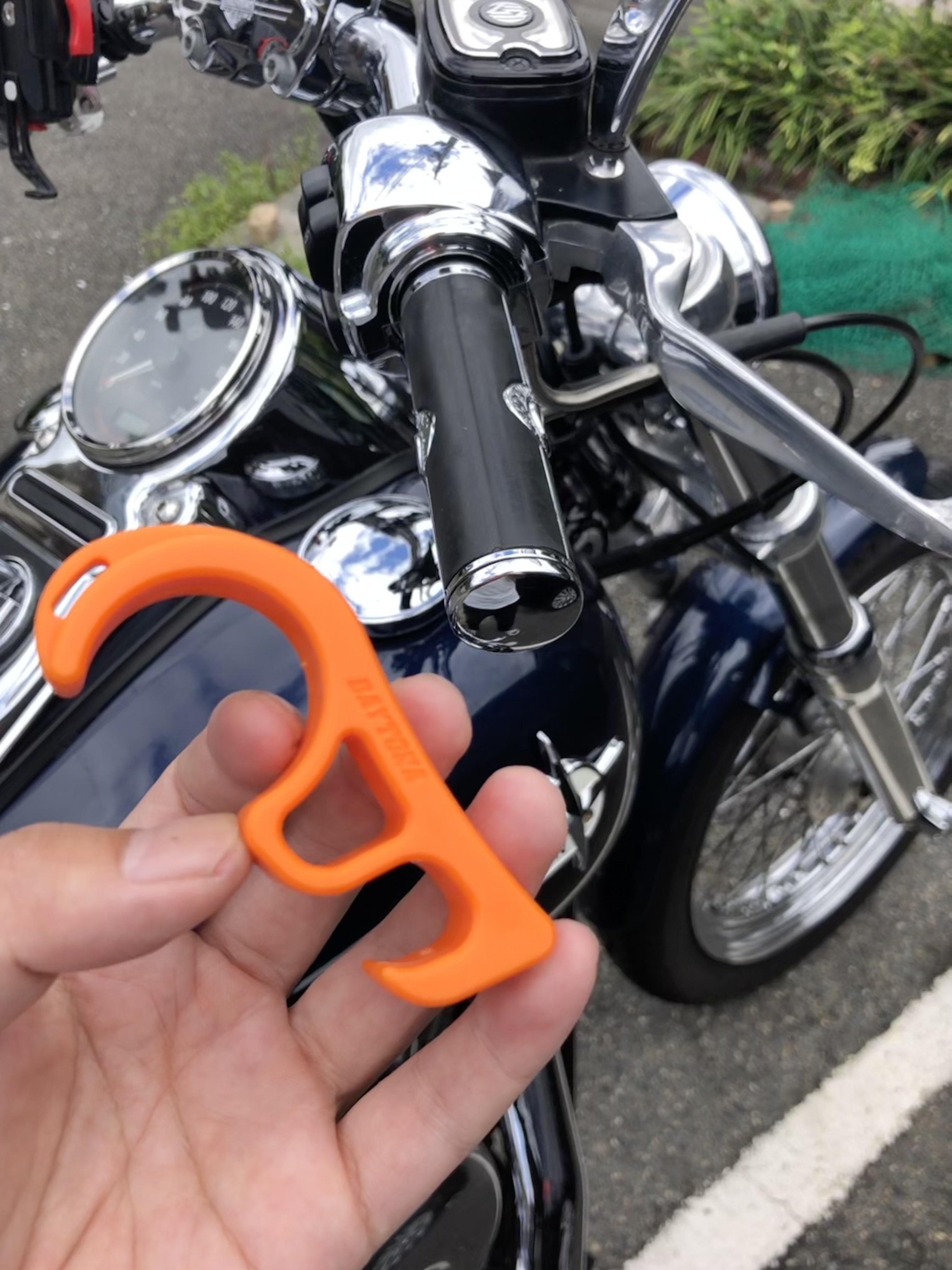 ハーレ バイク メンテナンス フロントブレーキロック 転倒防止 坂道転倒 転倒抑止