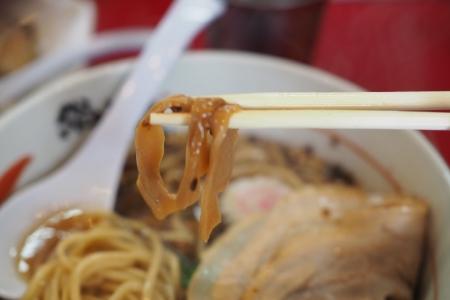 ぴーきちグルメブログ 大阪市北区 総大将 黒大将 醤油ラーメン ラーメン メンマ